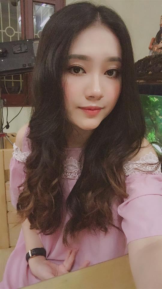 Hot girl - hot boy Việt 28/8: Khánh Linh The Face bị trộm móc túi-7