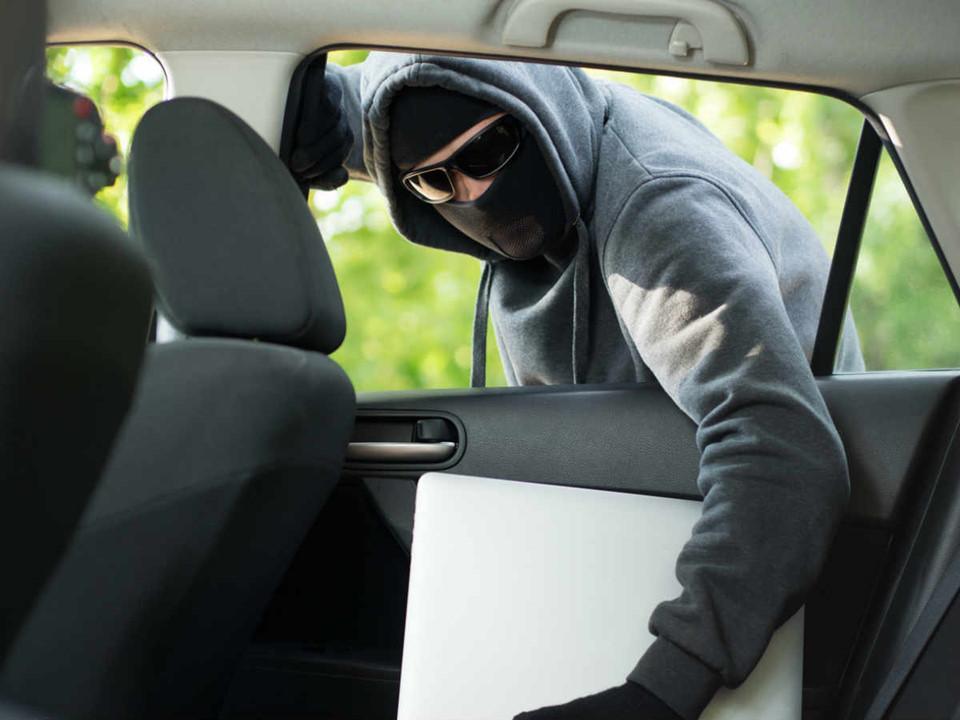 Làm gì nếu bị mất trộm khi đi du lịch?-5