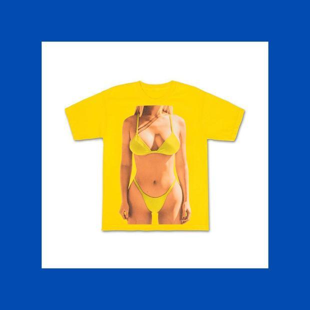 Tự biết dáng đẹp, Kylie Jenner in luôn áo phông hình body của mình để bán-1
