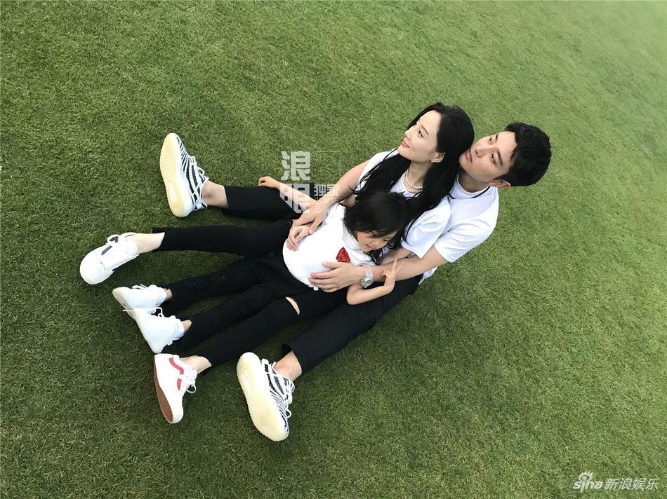 Showbiz Hoa ngữ sẽ biết ơn Giả Nãi Lượng - Lý Tiểu Lộ nhờ cuộc hôn nhân vạn người ngưỡng mộ-5