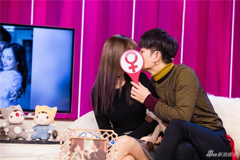 Showbiz Hoa ngữ sẽ biết ơn Giả Nãi Lượng - Lý Tiểu Lộ nhờ cuộc hôn nhân vạn người ngưỡng mộ-9