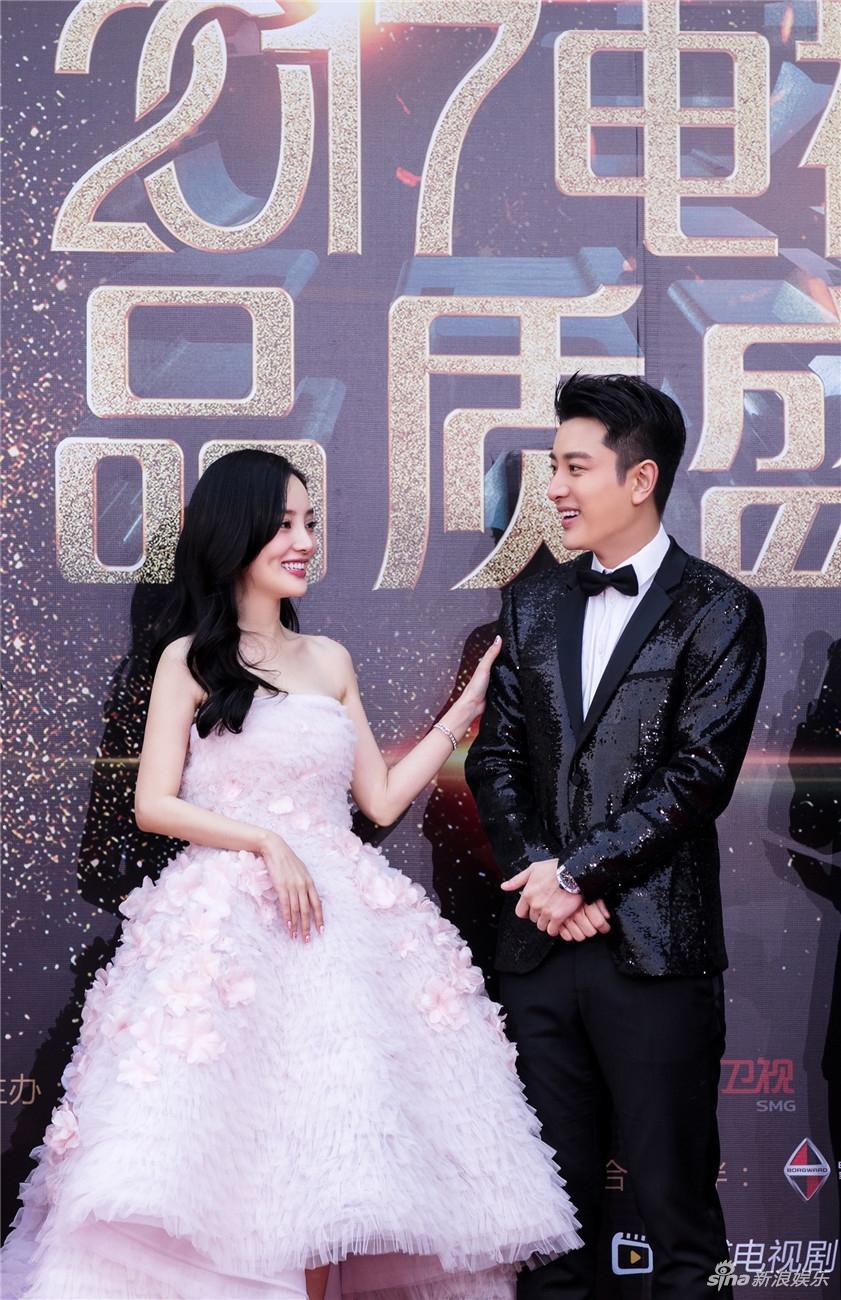 Showbiz Hoa ngữ sẽ biết ơn Giả Nãi Lượng - Lý Tiểu Lộ nhờ cuộc hôn nhân vạn người ngưỡng mộ-10