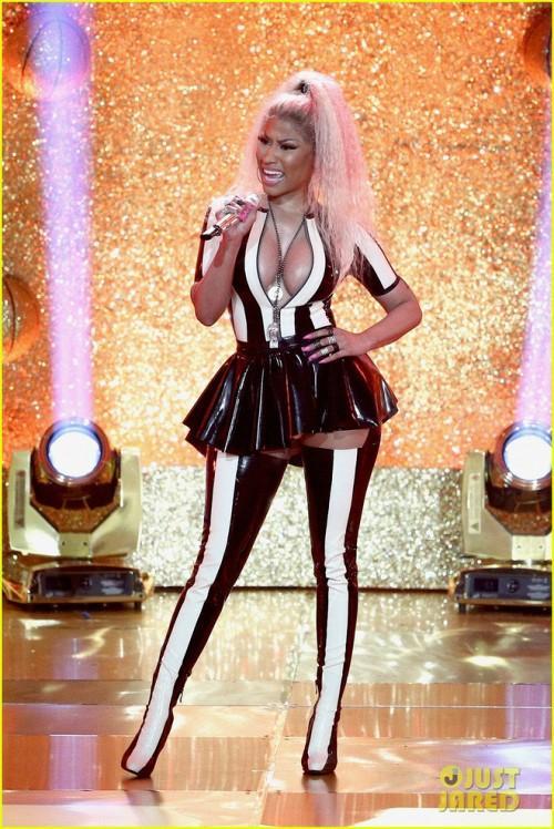VMAs: Màn trình diễn của Katy đáng lẽ đã hoàn hảo nếu Nicki Minaj chịu… thuộc lời-1