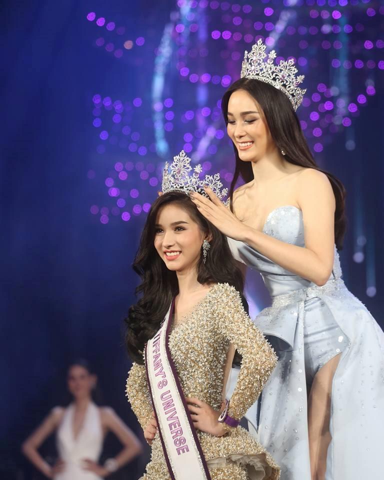 Lộ ảnh xinh trai hiếm có thời chưa thẩm mỹ của Hoa hậu chuyển giới Thái Lan-1