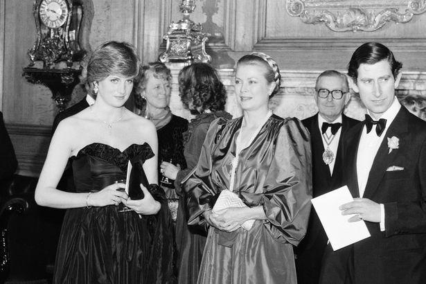 Những cột mốc hôn nhân đáng nhớ của Công nương Diana qua ống kính nhiếp ảnh Hoàng gia-2