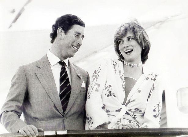 Những cột mốc hôn nhân đáng nhớ của Công nương Diana qua ống kính nhiếp ảnh Hoàng gia-4