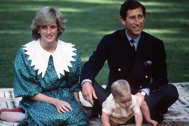 Những cột mốc hôn nhân đáng nhớ của Công nương Diana qua ống kính nhiếp ảnh Hoàng gia-8
