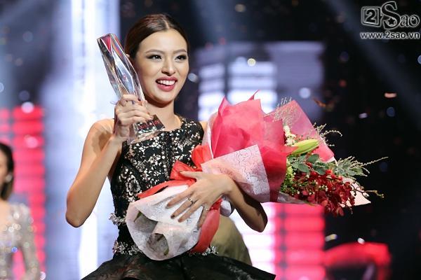 Không chỉ đoạt quán quân, Tú Hảo còn có tới 3 chiến thắng áp đảo tại The Face 2017-1