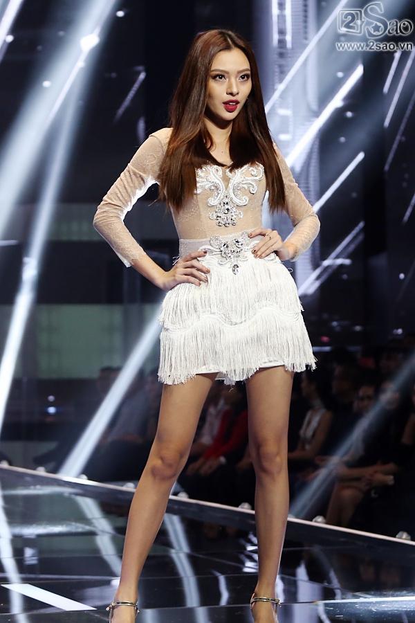 Không chỉ đoạt quán quân, Tú Hảo còn có tới 3 chiến thắng áp đảo tại The Face 2017-5
