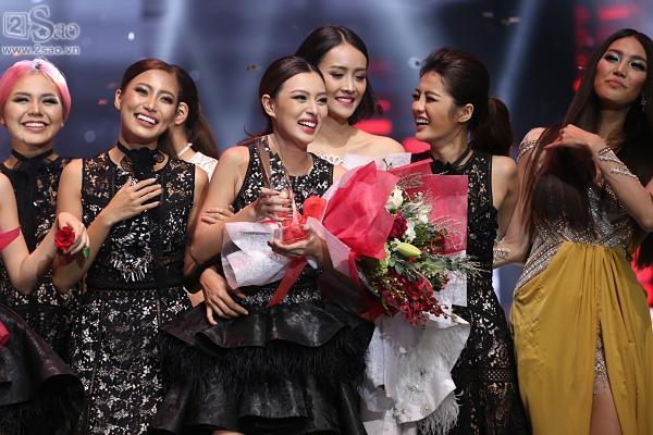 Không chỉ đoạt quán quân, Tú Hảo còn có tới 3 chiến thắng áp đảo tại The Face 2017-6