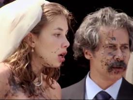 Clip hài: Đám cưới náo loạn bởi tay thợ ảnh 'người yêu cũ'