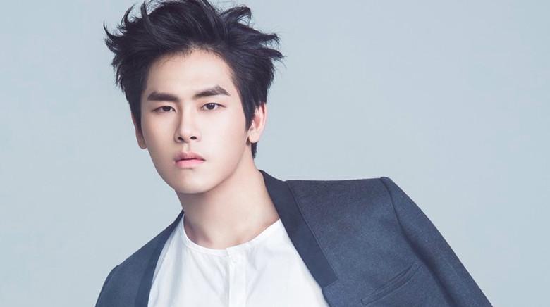 Sao Hàn 29/8: Nam diễn viên gạo cội xin lỗi vì chê nữ thần sexy Seolhyun là... não rỗng-4