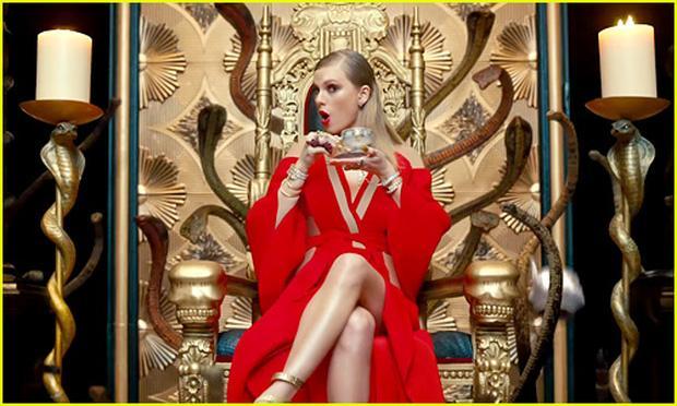 Clip: Look what you made me do của Taylor Swift bị soi nhiều đoạn giống bài hát Việt-1