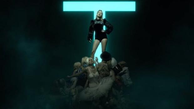 Clip: Look what you made me do của Taylor Swift bị soi nhiều đoạn giống bài hát Việt-3
