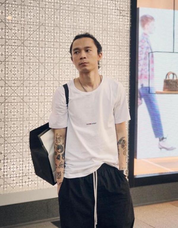 Khánh Linh The Face gây shock với bức ảnh bạn trai sờ vòng 3 trong nhà vệ sinh-5