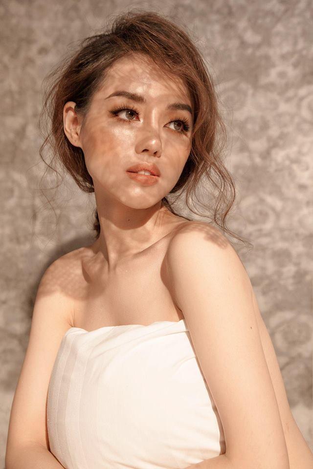 Khánh Linh The Face gây shock với bức ảnh bạn trai sờ vòng 3 trong nhà vệ sinh-7
