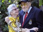 Chuyện xúc động về nụ hôn 76 năm sau trận đánh 'Trân Châu Cảng'
