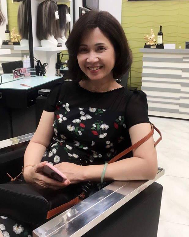 Tuổi 56, bà mẹ chồng giỏi ăn hiếp con dâu nhất Việt Nam vẫn mặc gì cũng được khen đẹp-1