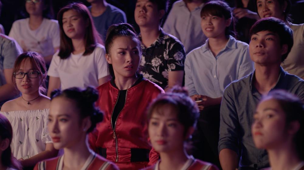 Hữu Vi thẳng tay hắt nước vào mặt tình địch của Angela Phương Trinh-8