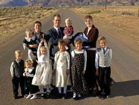 Lạc vào thị trấn đàn ông 'lấy ba vợ mới được lên thiên đường' ở Mỹ