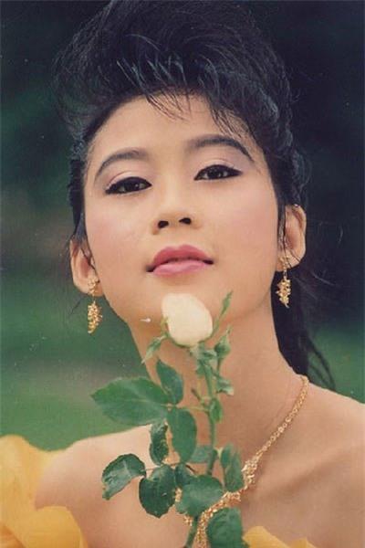 Sau 20 năm vướng vào tên tội phạm truy nã, Diễm Hương đang hạnh phúc với cuộc hôn nhân không cưới-1