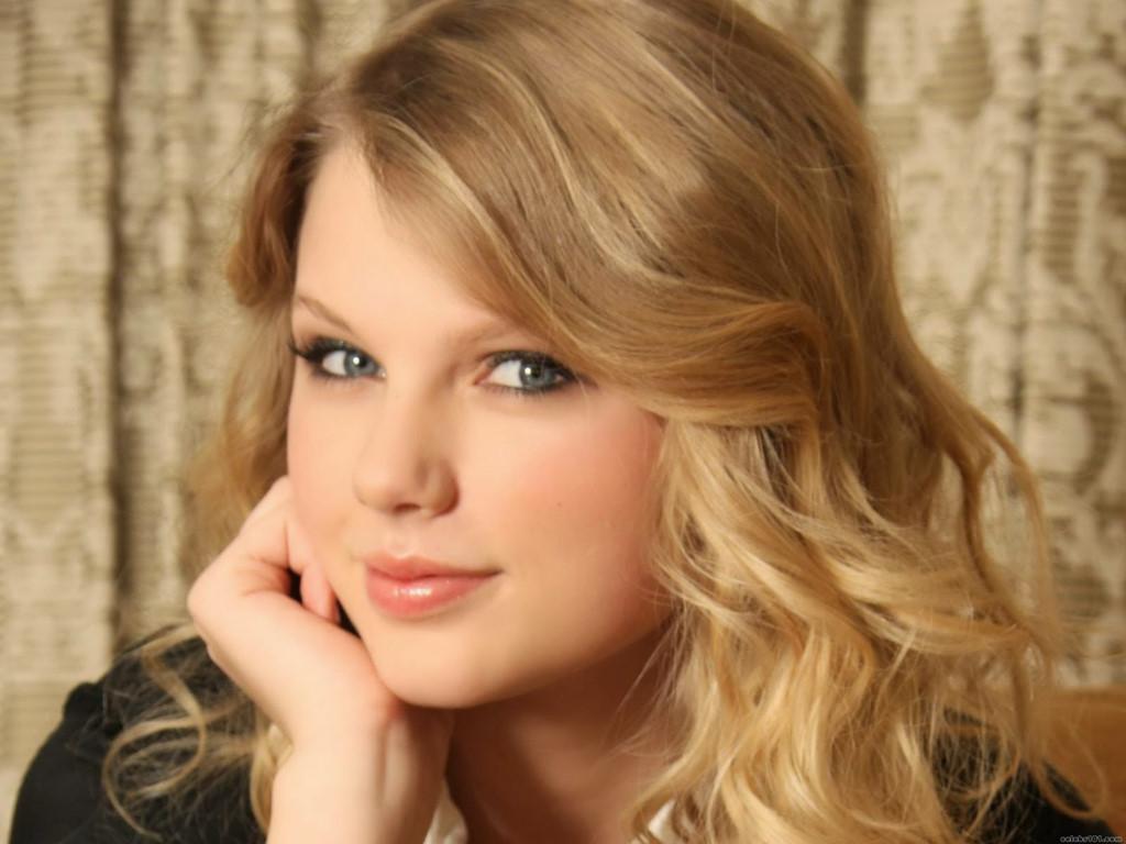 Taylor Swift: Sắc đẹp, tài năng hay nhân cách đều chặt đôi dư luận-3