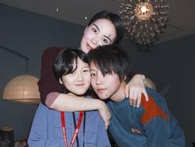 Con gái hở hàm ếch của Vương Phi - Lý Á Bằng giờ như fashionista khiến nhiều người ngưỡng mộ