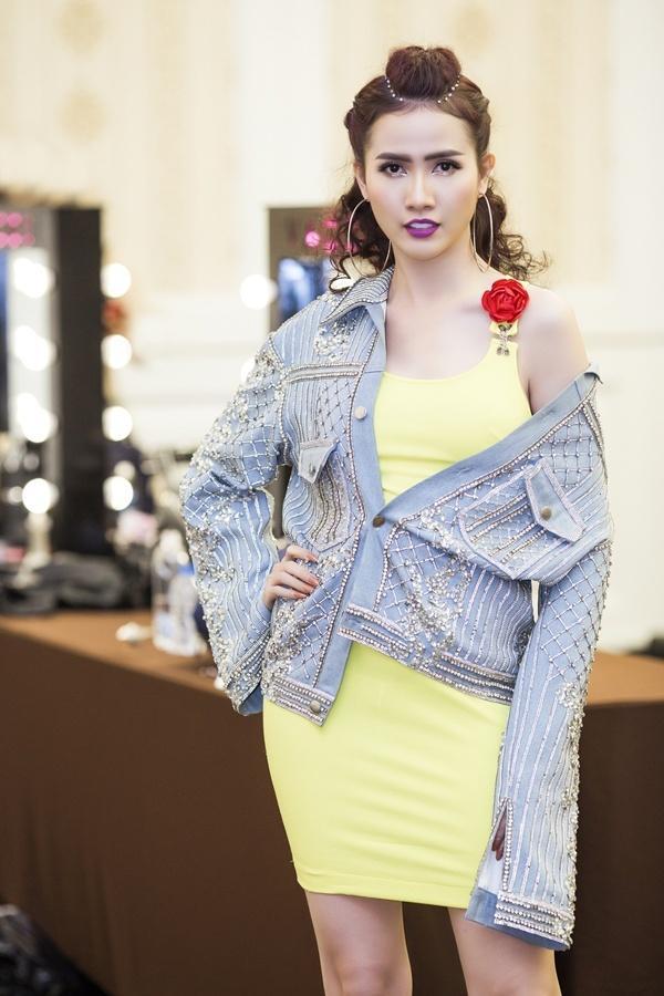 Nàng dâu Bảo Thanh sến sẩm, Vũ Ngọc Anh hở táo bạo lọt top sao mặc xấu tuần này-9