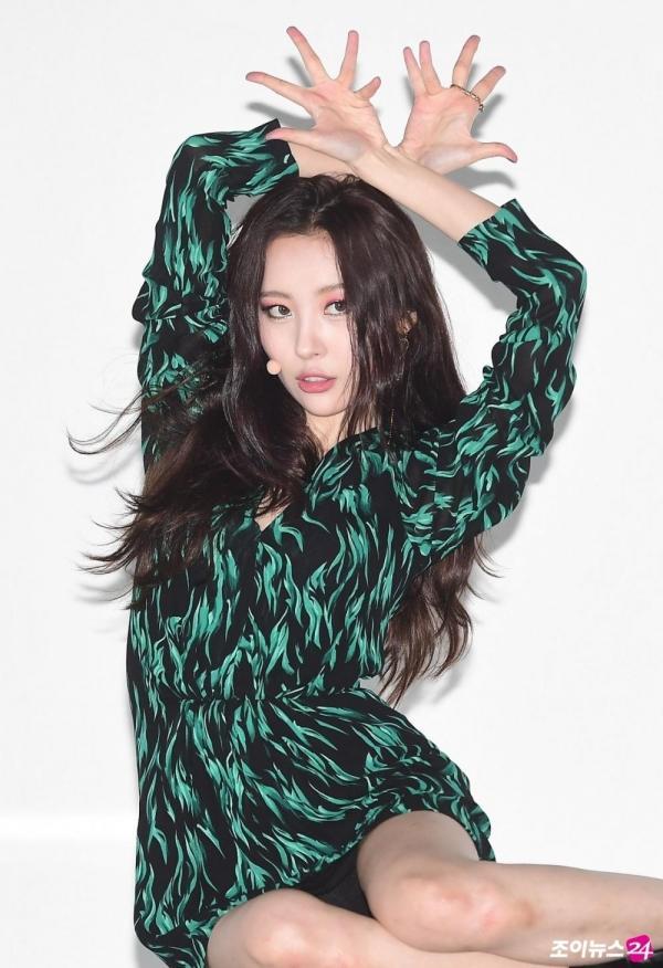 Sao Hàn 1/9: Biểu tượng sexy HyunA khiến cư dân mạng đỏ mặt vì chiếc quần phản chủ-7