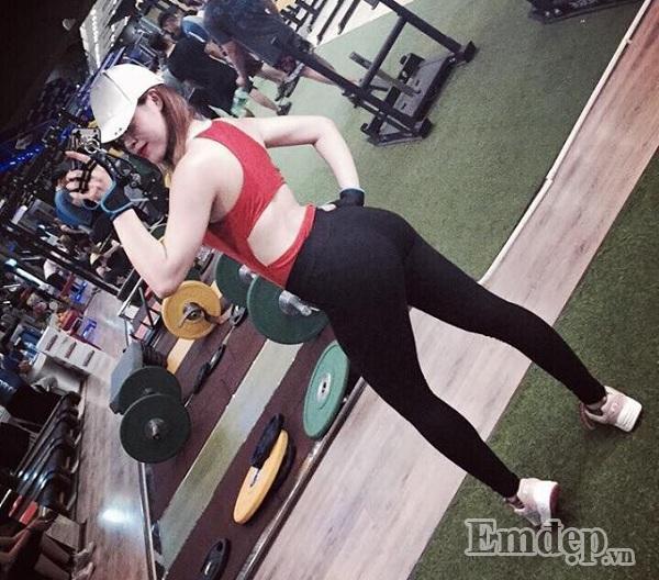 Chăm chỉ tập gym, nàng 9X từ thân hình cò hương trở nên nóng bỏng khiến ai cũng mê đắm-4