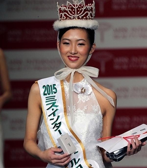 Những hoa hậu xấu nhất lịch sử khiến khán giả lắc đầu ngán ngẩm-14