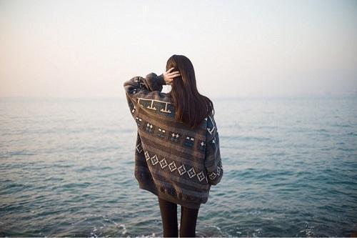 Một người đã hứa hẹn ở bên bạn cả đời rồi lại đổi thay, thì đừng tiếc nuối làm gì…-1