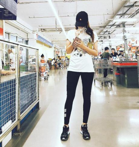 Sao Việt vi vu Lễ 2/9: bộ tứ The Face rủ nhau mua sắm, Hương Tràm - Tiên Cookie mỗi người một nơi-4