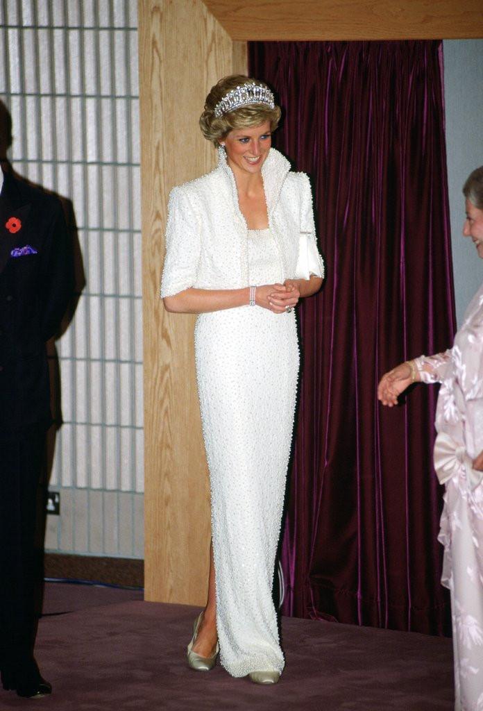 Những chiếc váy đi vào lịch sử của công nương Diana-3
