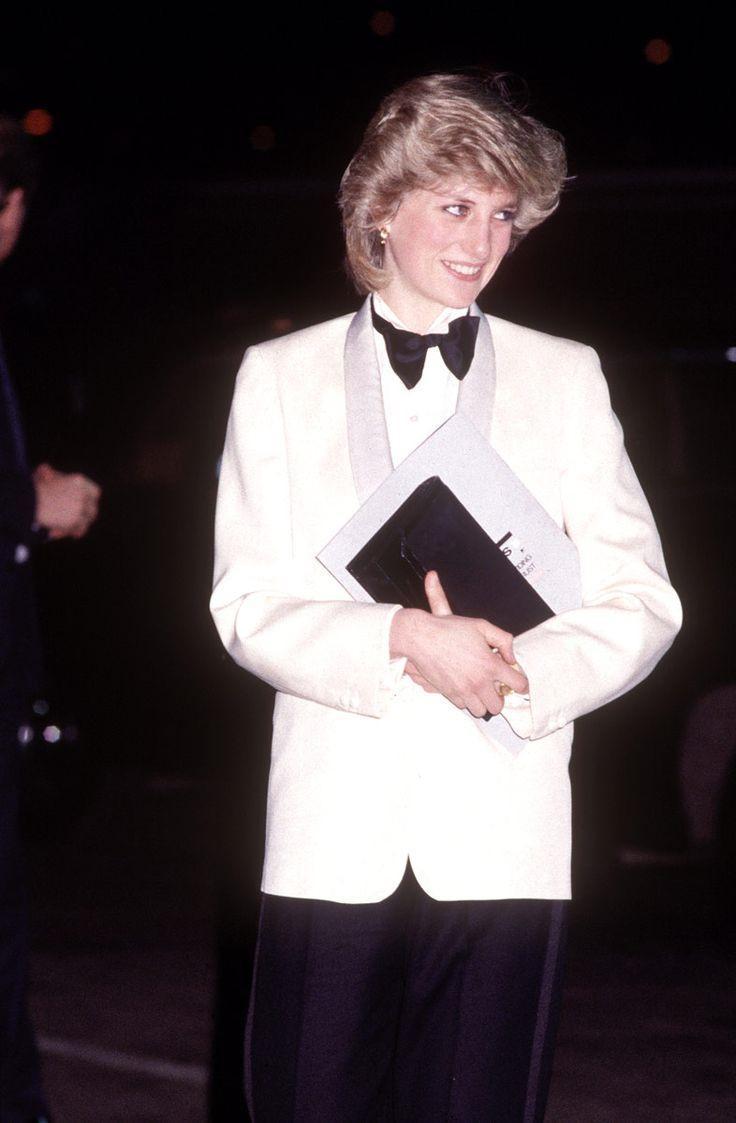 Những chiếc váy đi vào lịch sử của công nương Diana-6