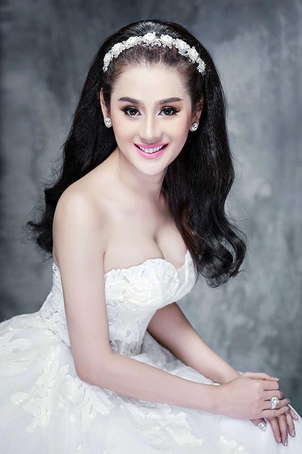 Tên công chúa Lâm Khánh Chi hot nhất tuần khi công khai cuộc tình với nữ nghệ sĩ cải lương-1