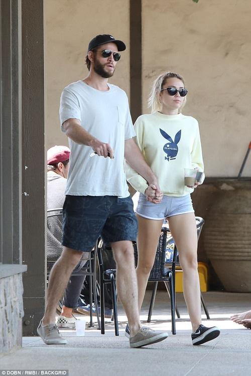 Bị Liam lợi dụng, Miley Cyrus luôn phải bỏ tiền bao mọi chi phí cho người yêu?-1