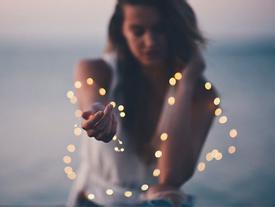 Ai cũng cần phải sống tốt dẫu chỉ còn lại một mình