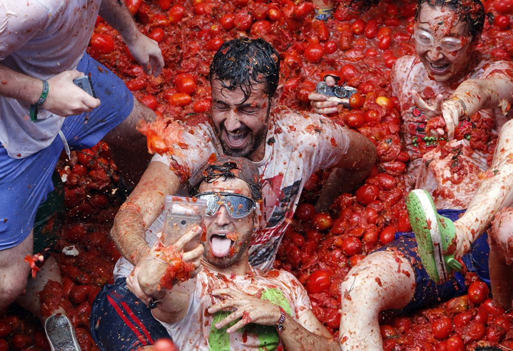 La Tomatina: Cuộc chiến cà chua lớn nhất thế giới-3