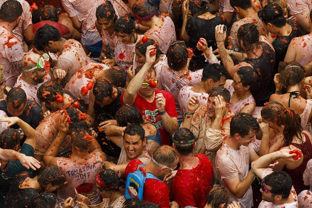 La Tomatina: Cuộc chiến cà chua lớn nhất thế giới-8