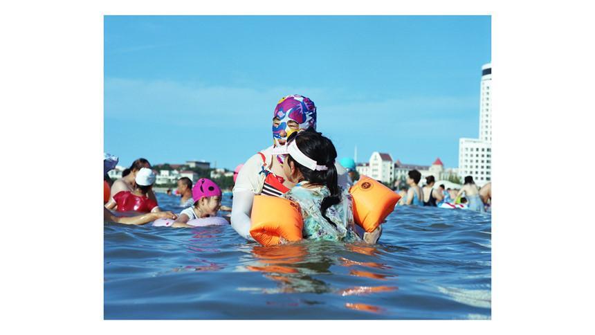 Áo tắm che kín mặt: Đặc sản ở bãi biển Trung Quốc-5
