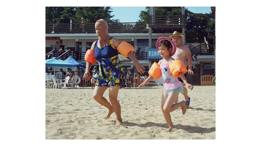 Áo tắm che kín mặt: Đặc sản ở bãi biển Trung Quốc-7