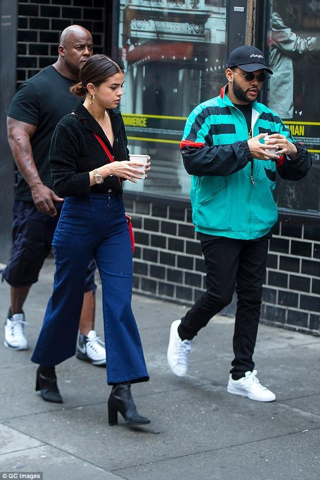 Chán sexy nổi loạn, Selena Gomez khoe street style giản dị đúng tuổi-4