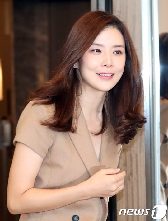 Sao Hàn 5/9: Con gái Choi Jin Silbị cáo buộc dùng cái chết của mẹ mình thu hút sự chú ý-5
