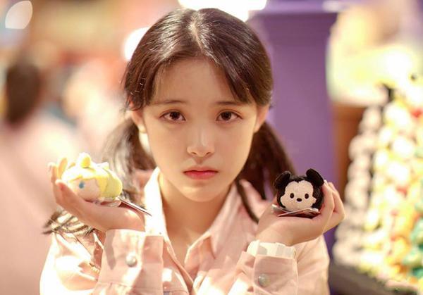Nhan sắc đẹp xuất sắc của cô nàng lọt top 10 nữ sinh xinh đẹp nhất Trung Quốc-4