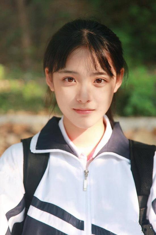 Nhan sắc đẹp xuất sắc của cô nàng lọt top 10 nữ sinh xinh đẹp nhất Trung Quốc-6
