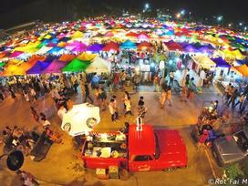 Chợ đêm khổng lồ ở Thái Lan