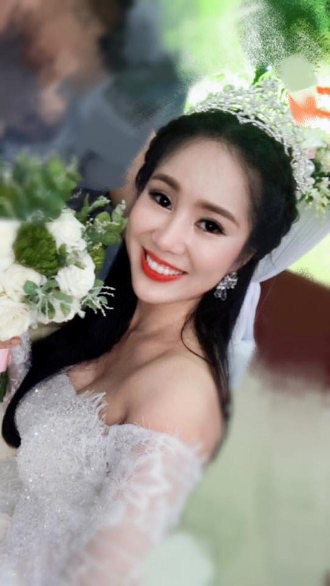 Fan giật mình nhận ra vợ mới kém 10 tuổi của Vân Quang Long quá giống Lê Phương-5