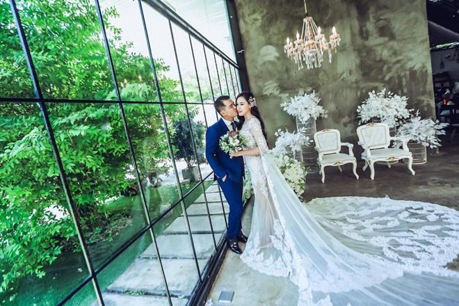 Fan giật mình nhận ra vợ mới kém 10 tuổi của Vân Quang Long quá giống Lê Phương-10
