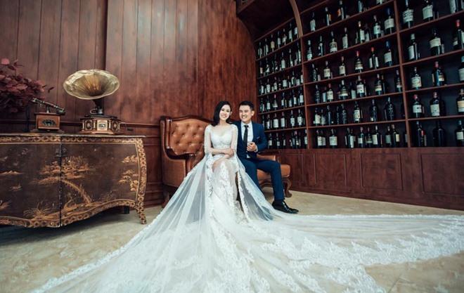 Fan giật mình nhận ra vợ mới kém 10 tuổi của Vân Quang Long quá giống Lê Phương-11